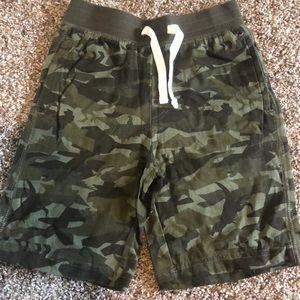 GAP Dinosaur shorts 5T